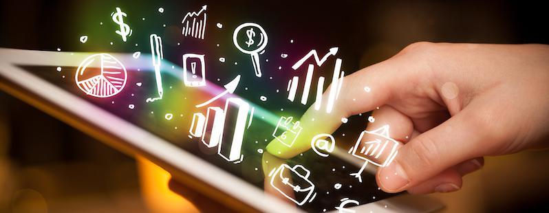 Notizie Digital Marketing;  tablet, servizio clienti e pesci rossi
