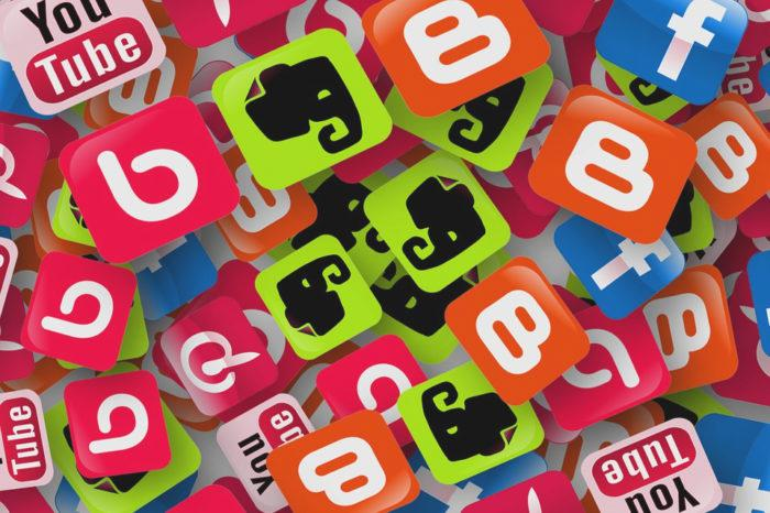 Social Media Buttons: 10 icon set di qualità da scaricare