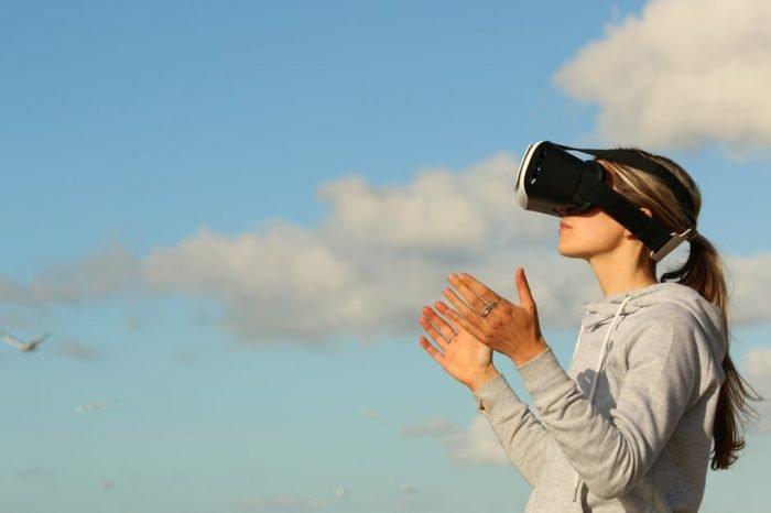 AltspaceVr: chiude il più famoso social network in VR, vediamo perchè