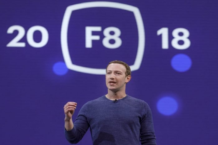 Facebook realtà aumentata: in fase di test la pubblicità
