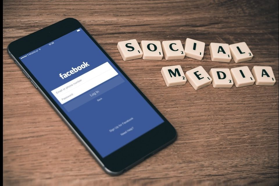 Pagine Fan Facebook su mobile: ecco il nuovo layout